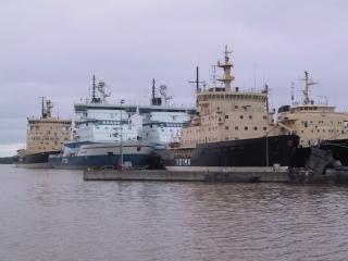 2砕氷船艦隊